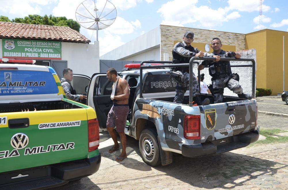 Antônio Diego foi autuado em flagrante pelo crime de homicídio na delegacia de Água Branca (Imagem: Valdomiro Gomes/CANAL 121)