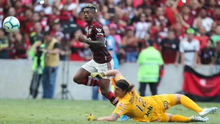 Bruno Henrique fez três para o Flamengo contra o Corinthians Foto: Wilton Junior / Estadão