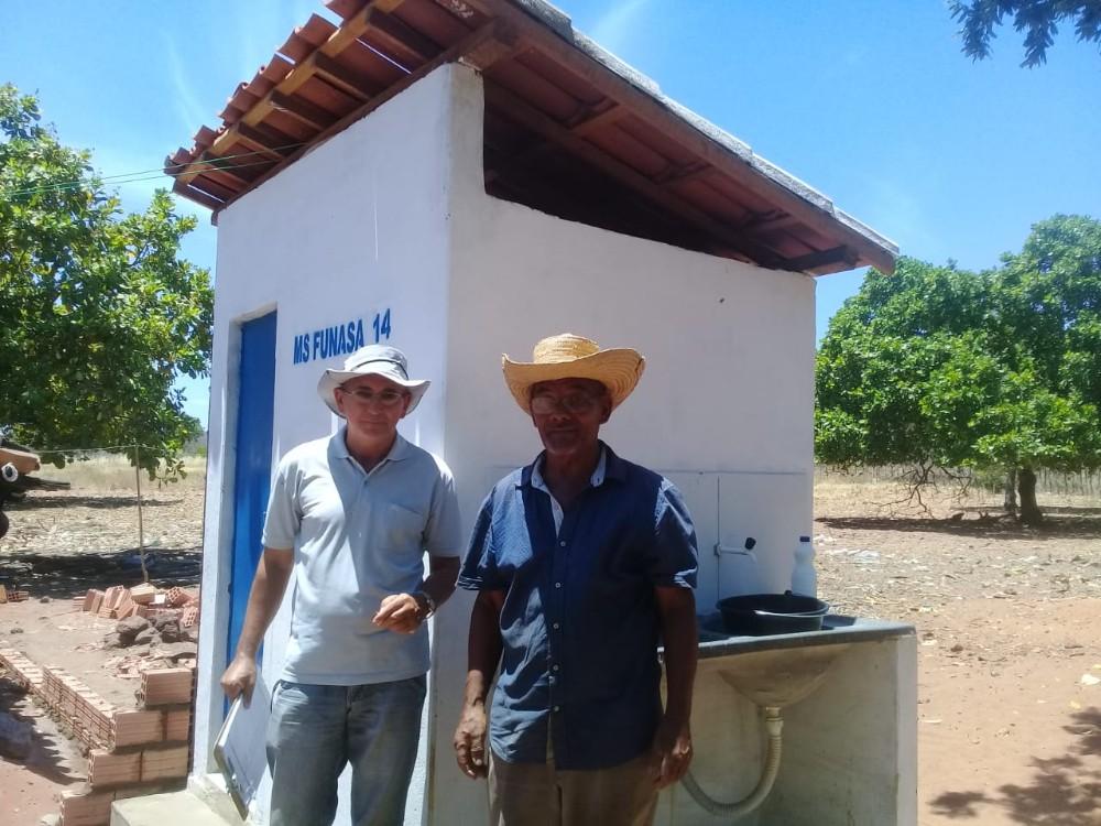 Prefeitura de Lagoa do Sítio realiza entrega de módulos sanitários