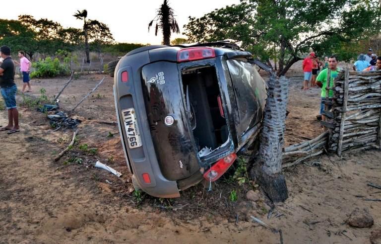 O veículo ficou destruído (Imagem: Piauí em Dia)
