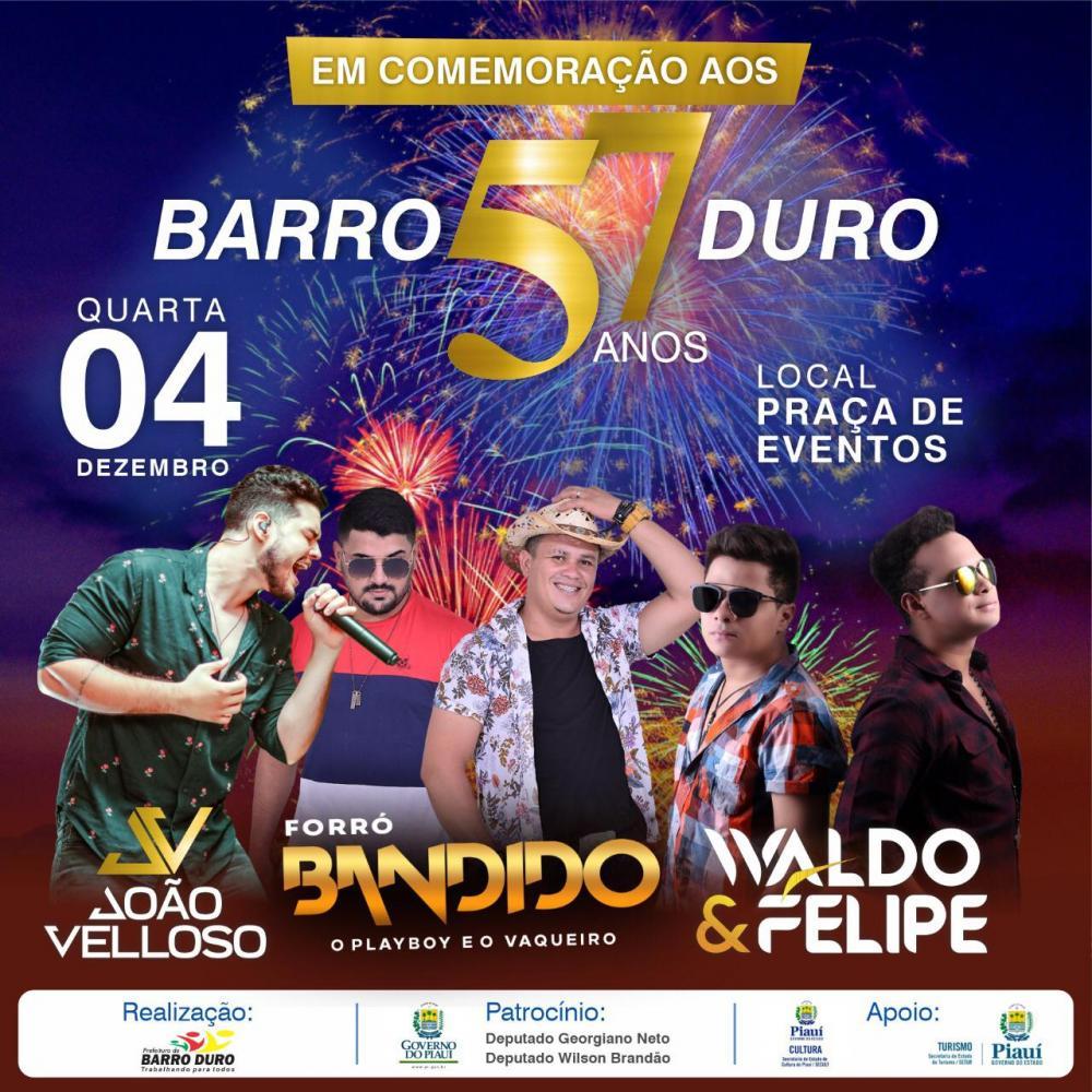 Barro Duro comemora 57 anos com show em praça pública