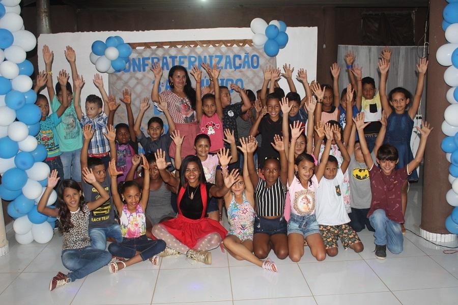 Escola Dr. Clóvis   Alunos do 3º ano fundamental ganham festa de encerramento do ano letivo