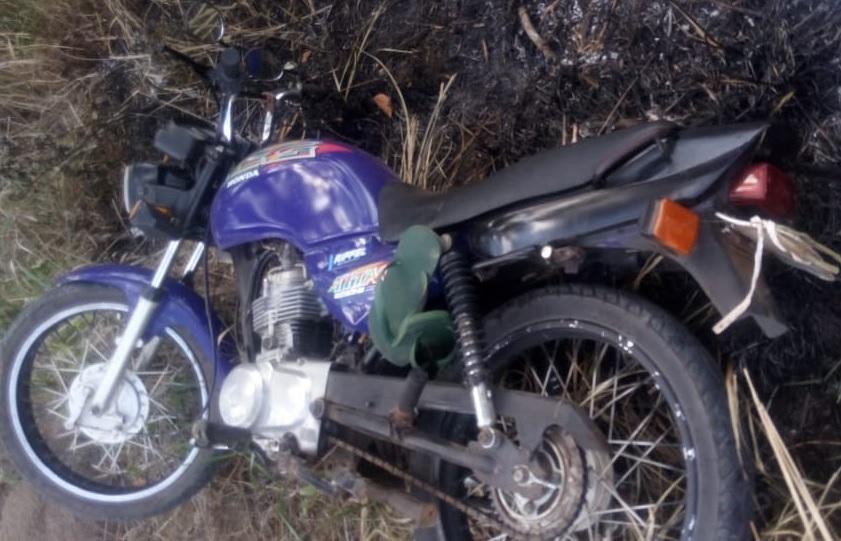 Motocicleta apreendida (Imagem: Divulgação PM)
