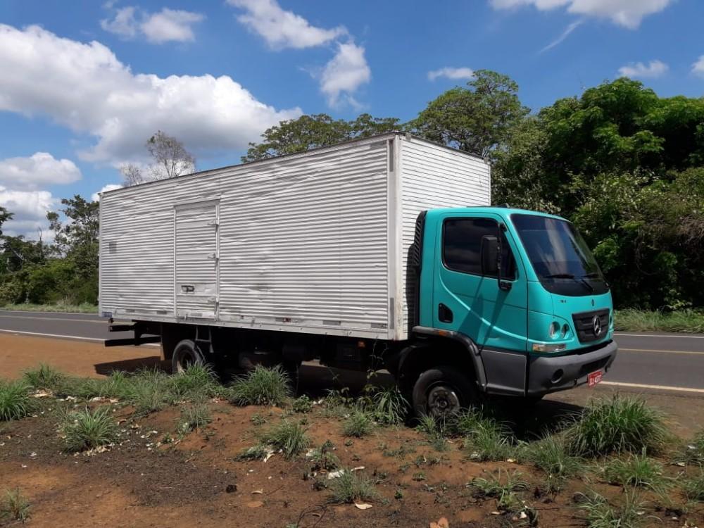 Caminhão tomado de assalto (Imagem: Divulgação PM-PI)
