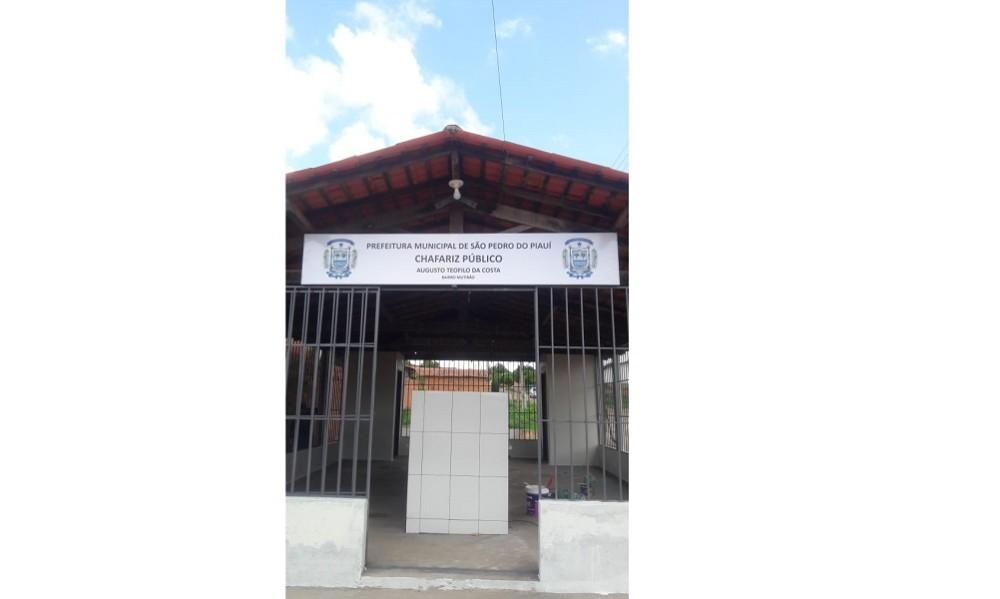Prefeitura reforma chafariz público que atende centenas de moradores do bairro Mutirão