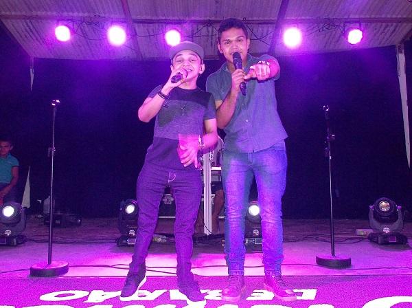 Os Meninos de Barão cantam Cara Bacana, em São Gonçalo do Piauí
